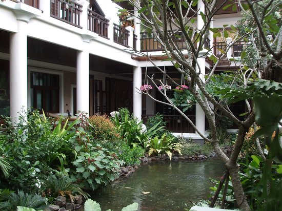 Sireeampan Boutique Resort & Spa: Fish pond