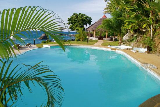 Masoandro lodge hotel nosy boraha madagascar voir les for Piscine 78