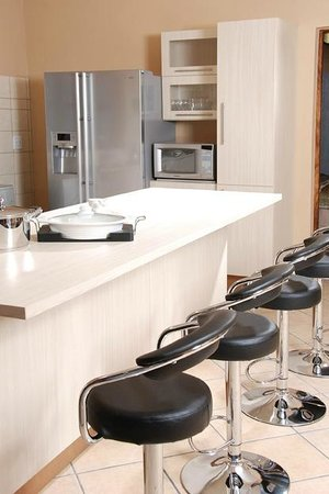 Golden Sands Apartments by Sol Resorts: Kitchen, Golden Sands Apartments, Sol Resorts, Vilanculos
