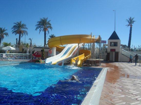 Dream World Resort: Slide