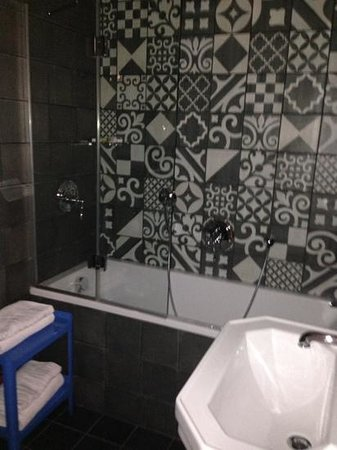 Hotel Fabric: Our amazing bathroom - loved the tiles and spotlights!