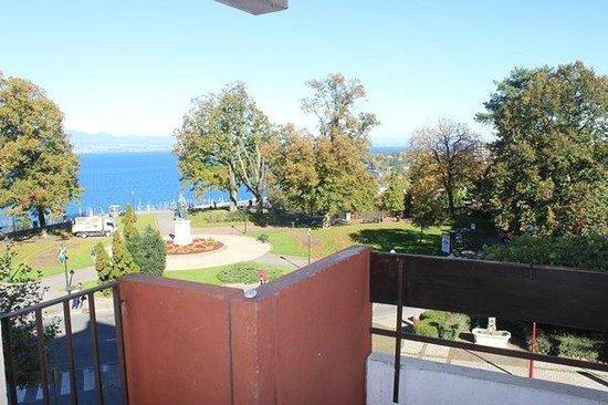 vue depuis un balcon - Picture of Residence la Renovation, Thonon ...