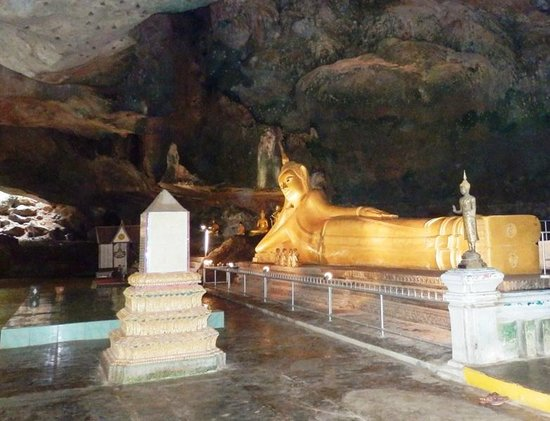 Takua Thung District, Tailandia: Wat Suwannakuha