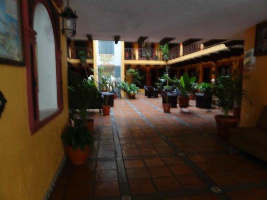 La Catedral: Entrée, lobby