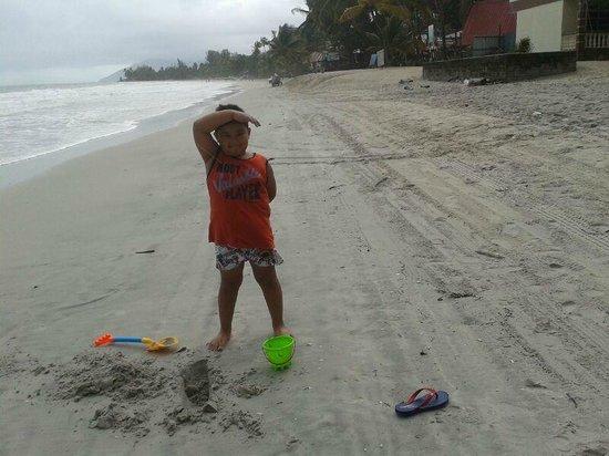 AB Motel: Beach @ hotel area