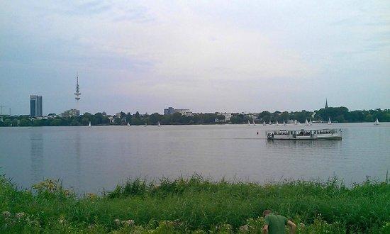 Alster Lakes: Аусенальстер - Большой Альстер