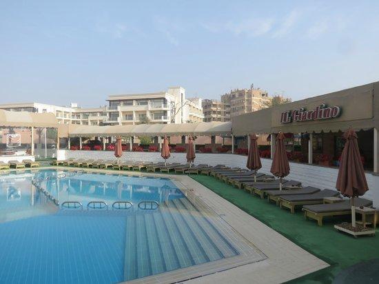 Cairo Pyramids Hotel : Swimming pool
