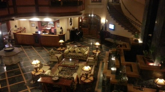 Fortune Hotel Sullivan Court: Lobby area