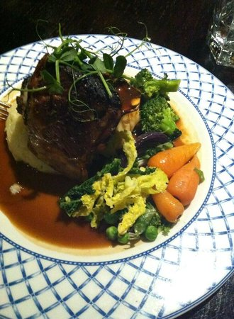 Masons Restaurant - Brentwood: Shoulder of lamb with garlic mash