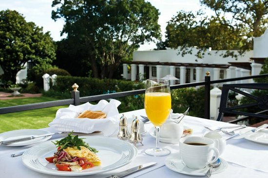 The Andros Boutique Hotel: Breakfast on the terrace