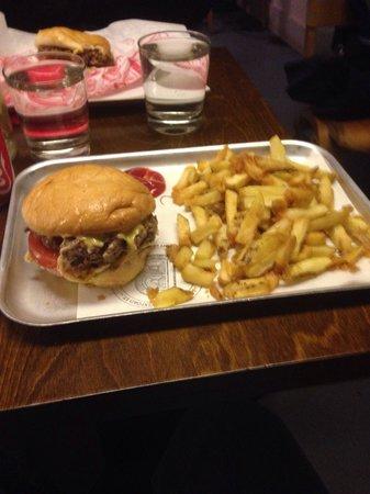 Bunsen: Best burger n fries in dublin!!
