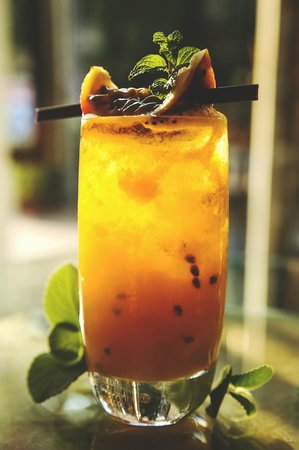 Rock Restaurant and Bar: A punch full of passion fruit