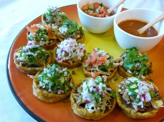 Los Sanchez Homemade Mexican food: Sopes de Puerco