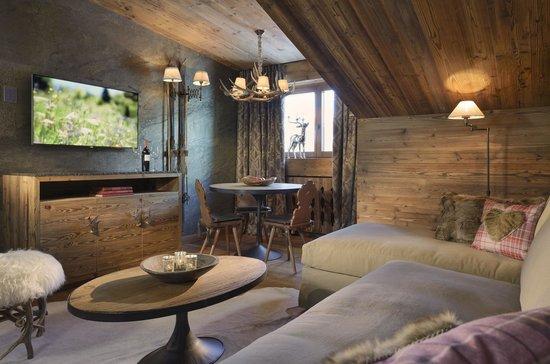 Hotel Arlberg Lech: Wohnraum / living room - Jagdhof Suite