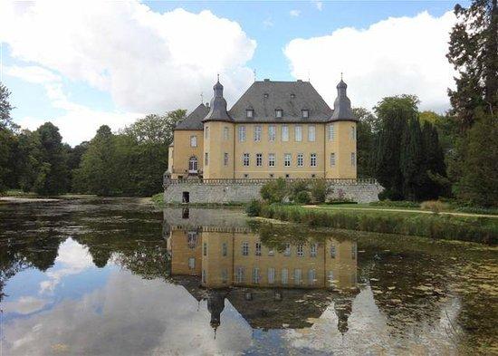 Stiftung Schloss Dyck: Das Schloss. Ein Blickfang für jeden Besucher