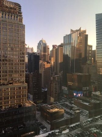 Staybridge Suites Times Square - New York City : view from our top floor room, 32nd floor
