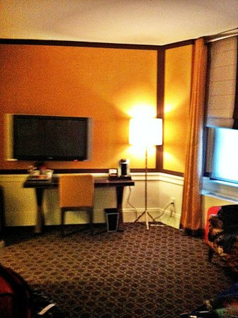 Empire Hotel : Spacious room