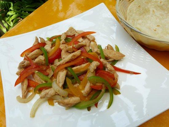 Los Sanchez Homemade Mexican food: Fajitas