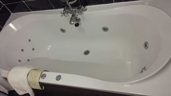 Bathroom Sinks Galway jacuzzi bath - picture of menlo park hotel, galway - tripadvisor