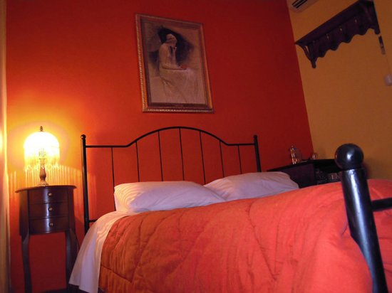 Atheaton Traditional Guesthouse: Small double room