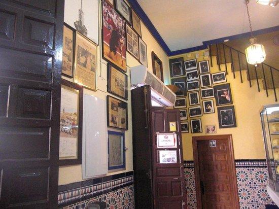 Bar Santos : Interior local