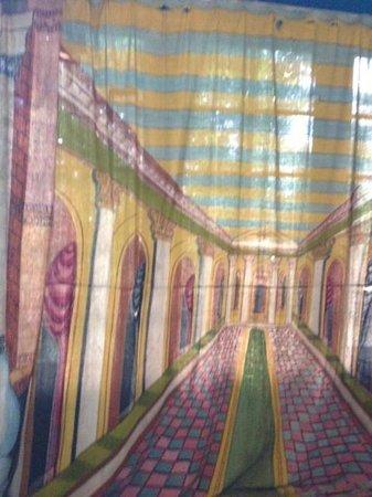 Kandy Samadhi Centre: Samadhi Centre - old theatre curtain