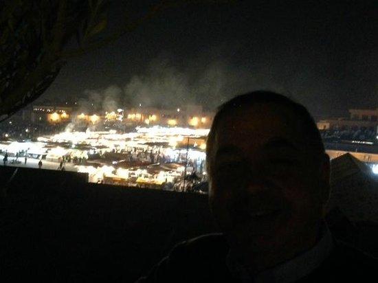 Riad Andalla: vista dal terrazzo di notte