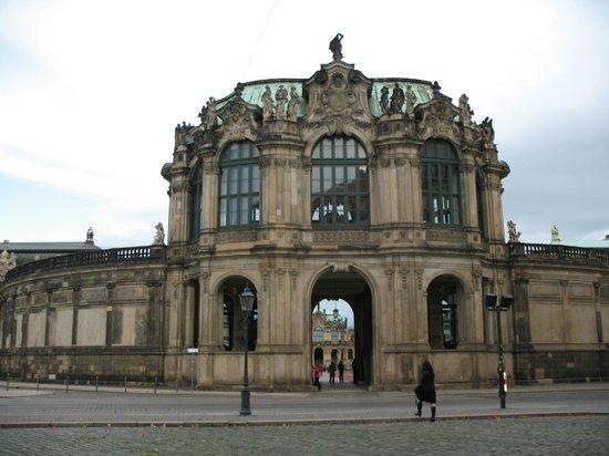 Zwinger: Один из входов