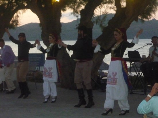 Santa Marina Beach Hotel: de griekseavond
