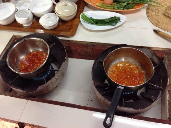 Ka-Ti Culinary Cooking School: Saus voor springrol en golden bag