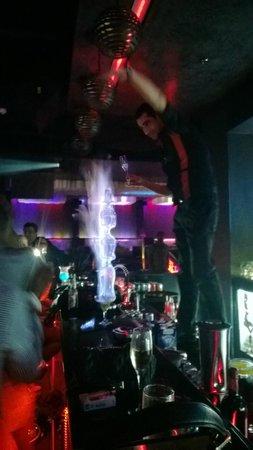 Elite Crystal Hotel: Bar Action