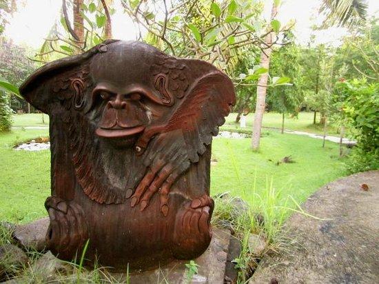 Mimpi Resort Menjangan: hotel grounds