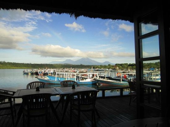 lovely clear water - Picture of Mimpi Resort Menjangan, Banyuwedang ...