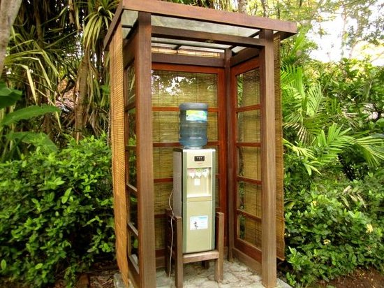 Mimpi Resort Menjangan: water refill station
