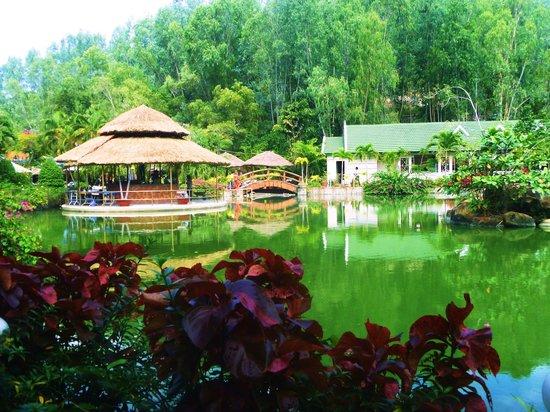 Thap Ba Hot Springs: Thap Ba - вид