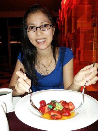 Novotel Balikpapan: Strawberries