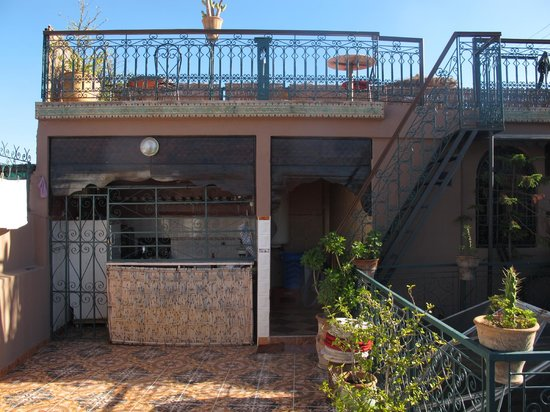 Hotel Sindi Sud: Terrasse deux étages