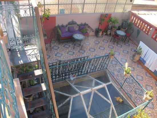 Hotel Sindi Sud: Terrasse