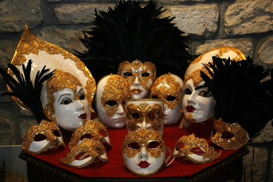 Porec, Kroatien: Production of venetian masks
