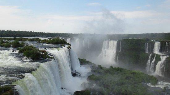 Iguazu Falls: Вид на водопады