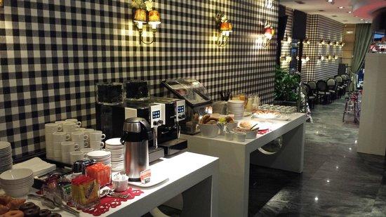 Hotel Clarin: Desayuno
