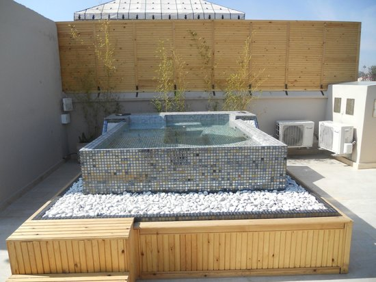jacuzzi plein soleil sur la terrasse tres belle vue picture of riad tahili spa marrakech. Black Bedroom Furniture Sets. Home Design Ideas