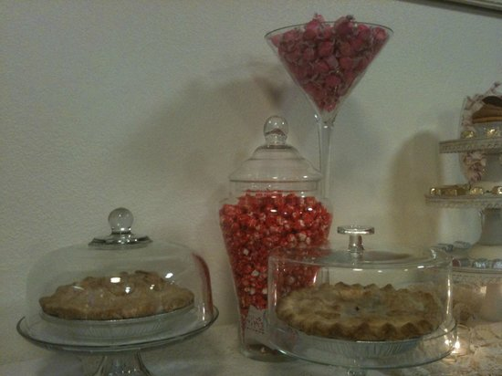 Sugar Momma's: Candy buffets for your wedding, shower, anniversary party, birthday party, etc.