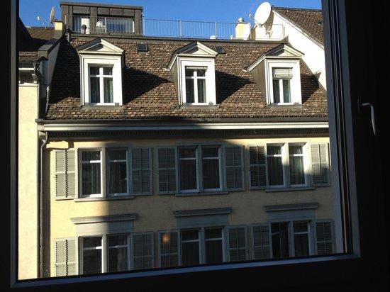 Hotel du Theatre by Fassbind: Dafür ist der Blick aus dem Fenster umso schöner