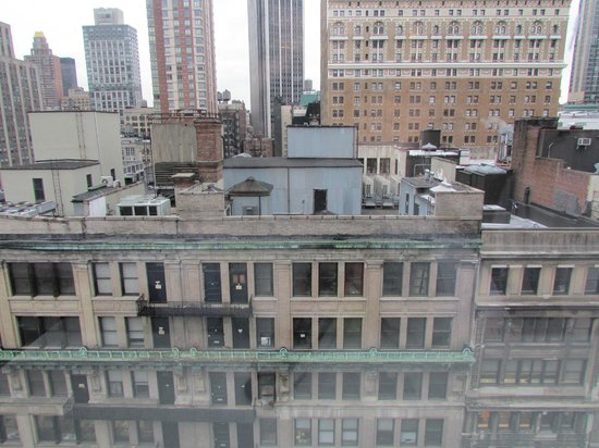 Hampton Inn Manhattan-35th St/Empire State Bldg: Vista do Quarto