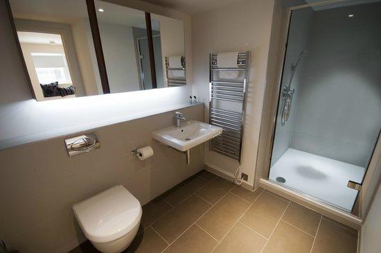 Scotia Grand Residence - Quartermile Apartments: Deluxe Bathroom
