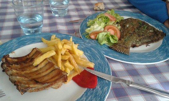 Restaurante El Pradillo: Dos segundos de menú: gallo y costillas de cerdo.