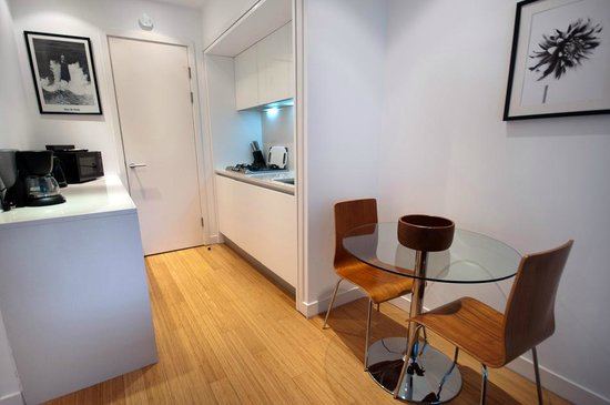 Scotia Grand Residence - Quartermile Apartments: Standard Kitchen Area