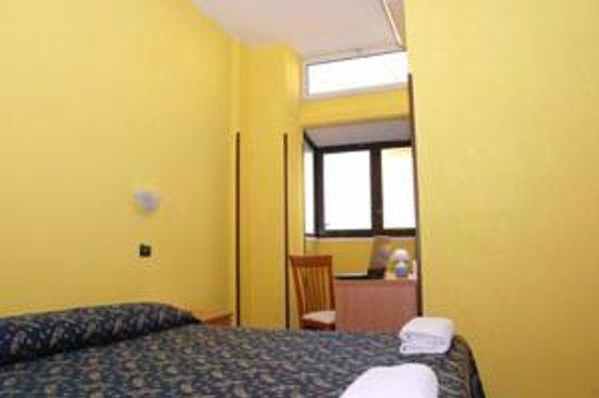 Sun Moon: camere con bagno privato dotate di tv, minifrigo, condizionatore e wi-fi gratuito