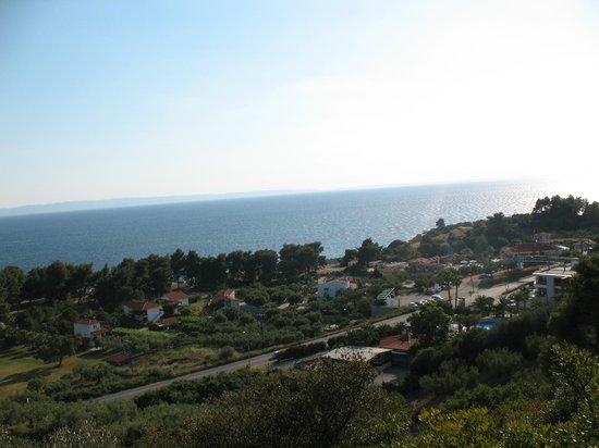 Lagomandra Hotel & Spa: Вид с горы